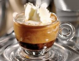 kopi espresso con panna